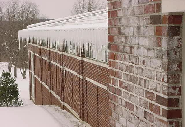 What Facility Managers Need to Understand about Ice Dams